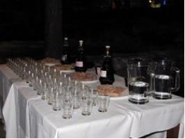 Observació astronòmica amb tast de licors i productes locals